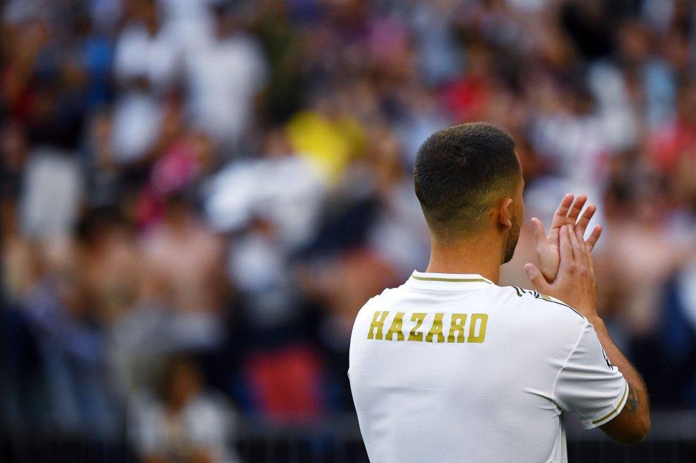 هازارد بقميص ريال مدريد (2)