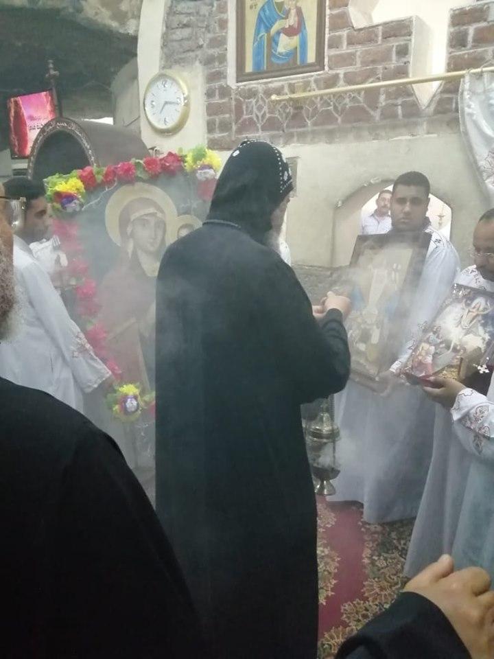 دير الجنادلة يبدأ احتفالاته بعيد حالة الحديد .. والأنبا أندرواس يترأس القداس بأسيوط (9)