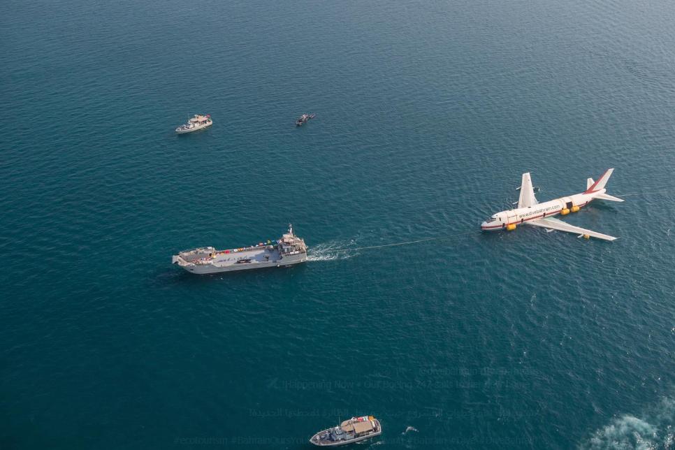 إغراق طائرة بوينج لإنشاء أكبر متنزه تحت الماء (4)