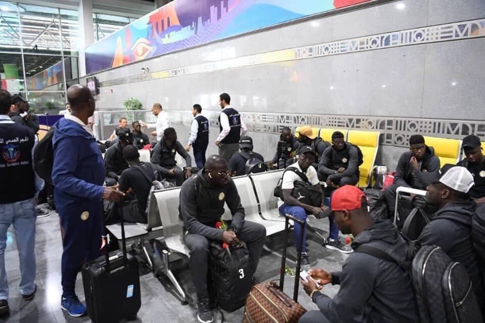 منتخب السنغال يصل القاهرة (4)