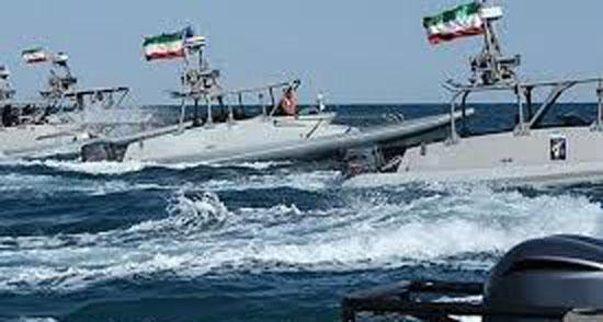 12511-زوارق-إيرانية-سريعة