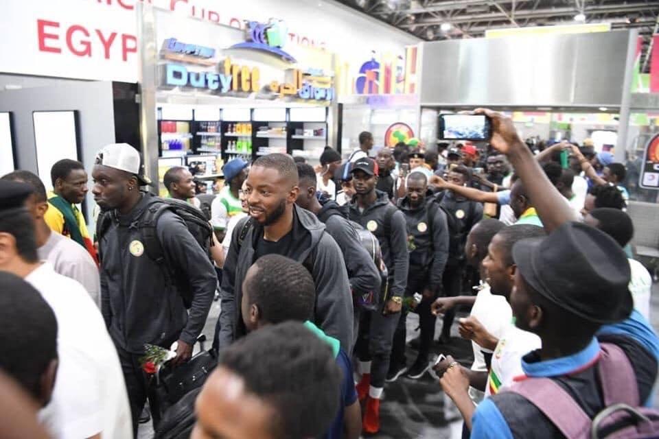 منتخب السنغال يصل القاهرة (1)