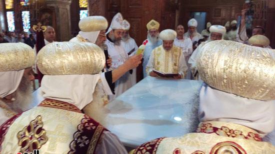 البابا يدشن الهيكل