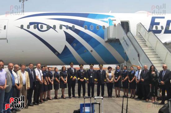 طائرة الأحلام الثالثة تصل مطار القاهرة (6)