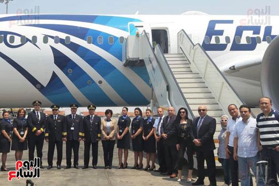 طائرة الأحلام الثالثة تصل مطار القاهرة (1)