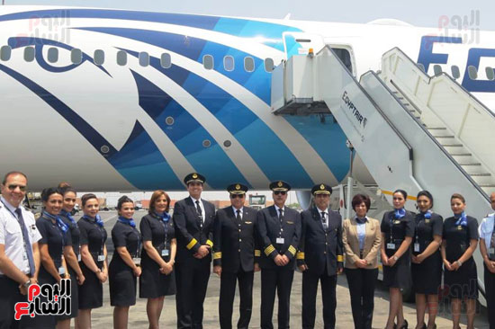 طائرة الأحلام الثالثة تصل مطار القاهرة (4)