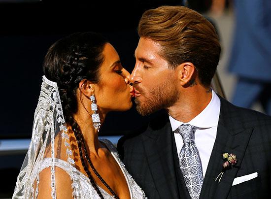 قبلة بين راموس وزوجته