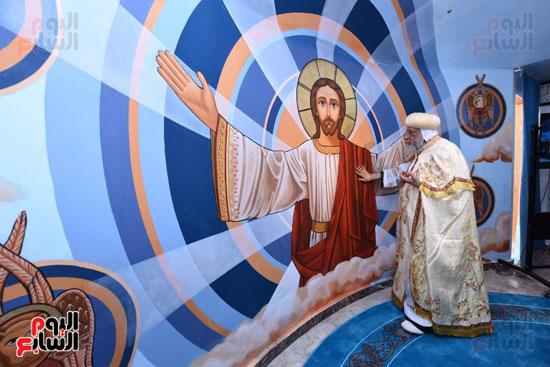 البابا يدشن صورة المسيح