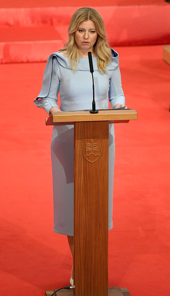 ناشطة ضد الفساد تصبح أول رئيسة لسلوفاكيا
