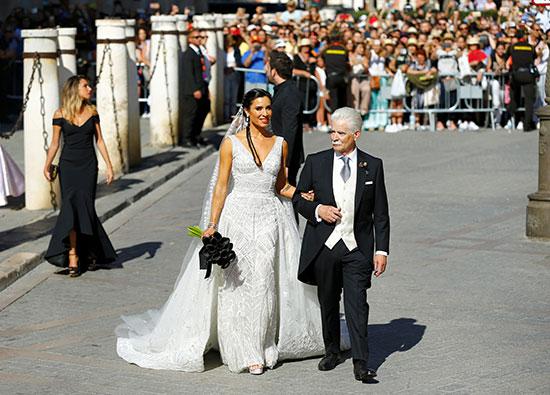 والد العروسة