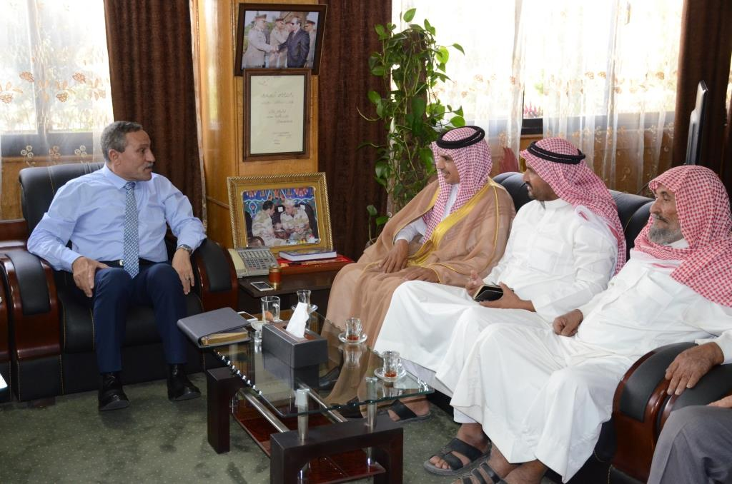 محافظ الإسماعيلية مع ممثلى قبيلة المساعيد (2)