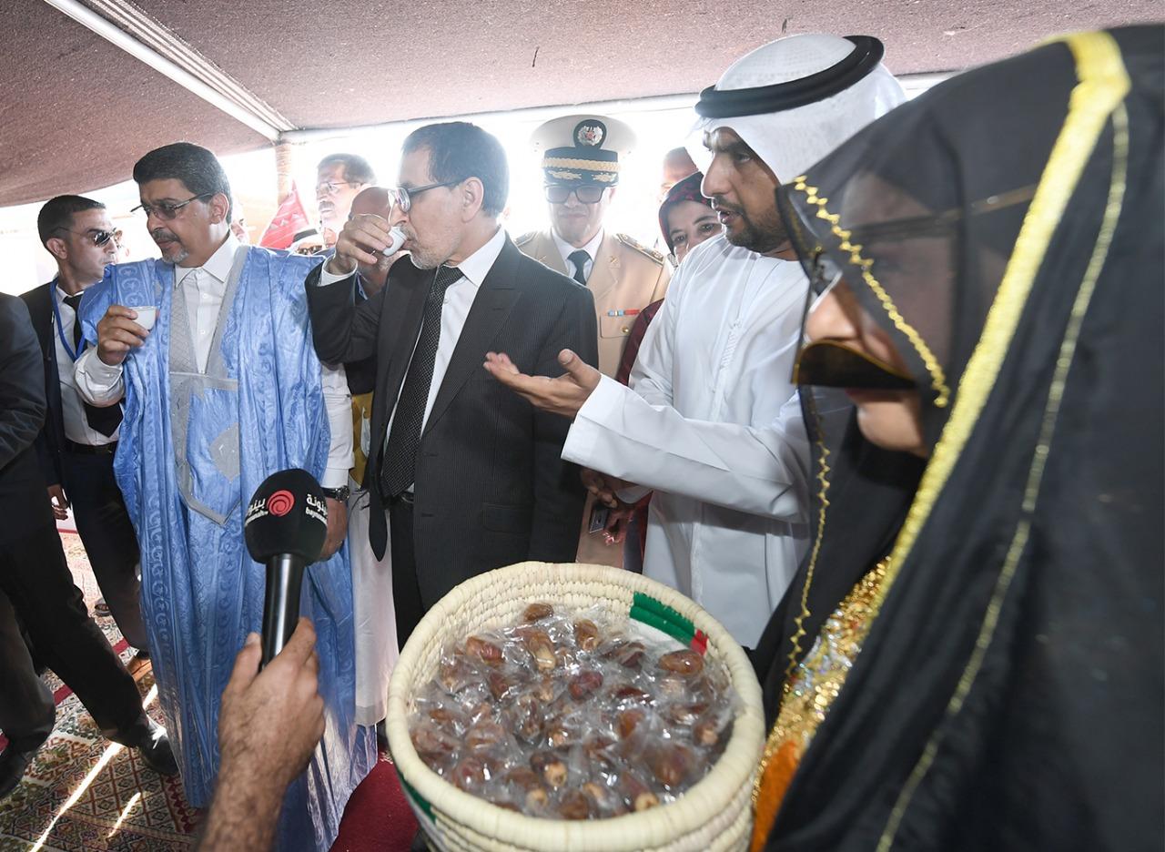 زيارة رئيس الحكومة المغربية لجناح الإمارات فى موسم طانطان