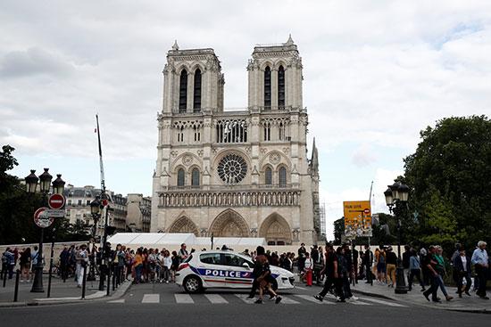 الكاتدرائية من الخارج