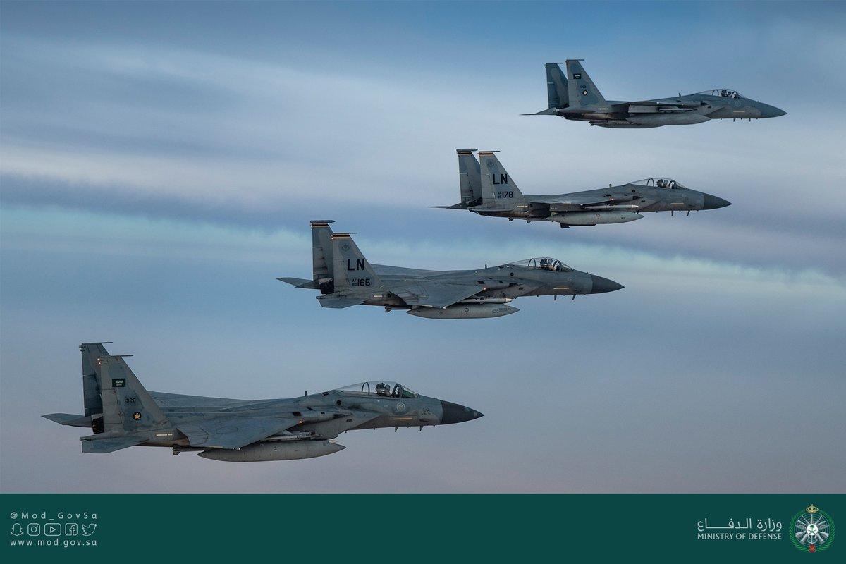 قوة أمريكية سعودية مشتركة تحلق فوق الخليج العربى