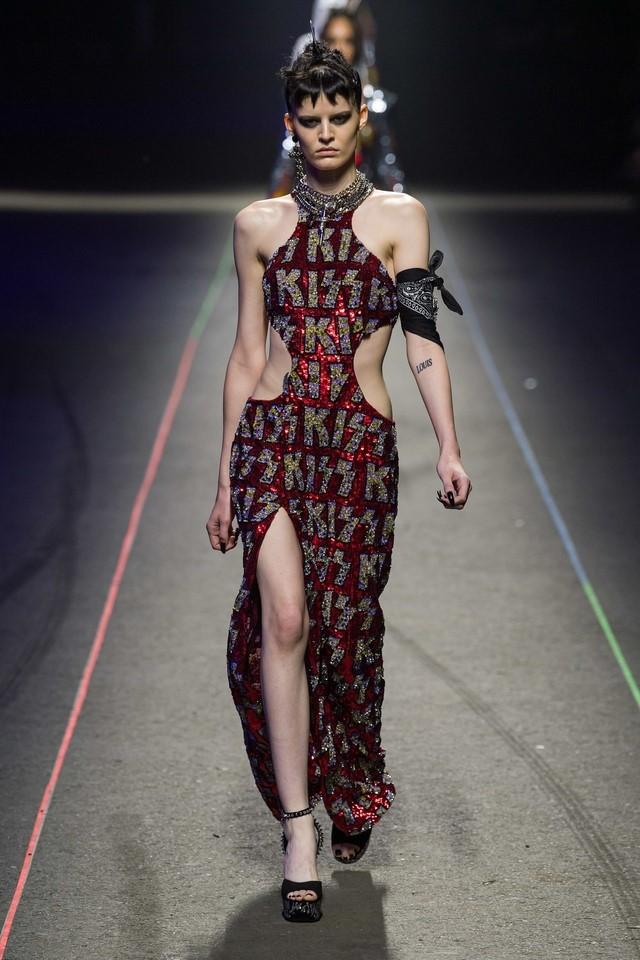 عرض أزياء فيليب بلين  (11)