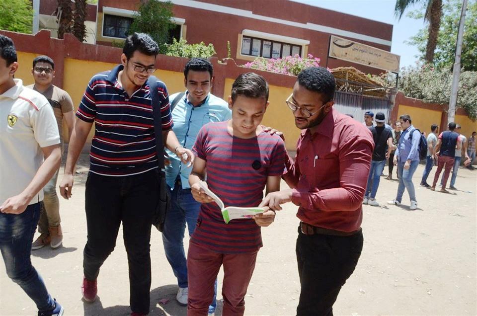 طلاب الأقصر عن إمتحان الديناميكا الإمتحان في مستوي الطالب المتوسط وطويل نسبياً (5)