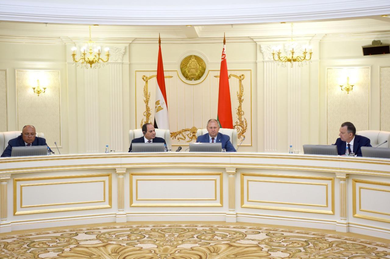 السيسى يلتقى رئيس وزراء بيلاروسيا (2)