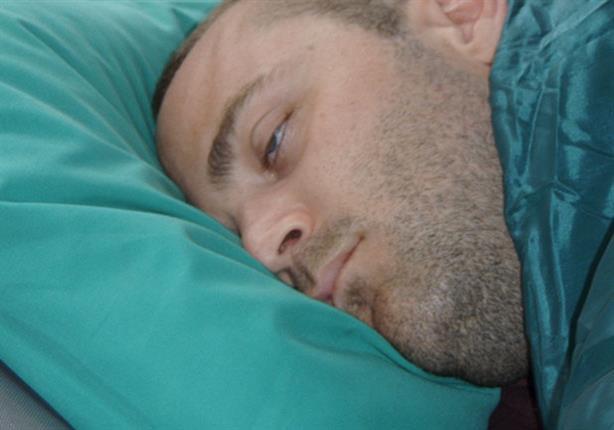 النوم بعيون مفتوحة
