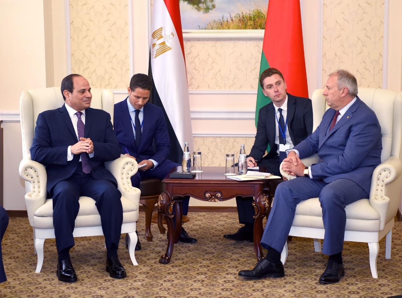 السيسى يلتقى رئيس وزراء بيلاروسيا (1)