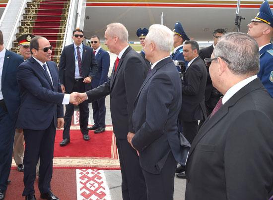 الرئيس السيسى يصل بيلاروسيا في زيارة رسمية (1)