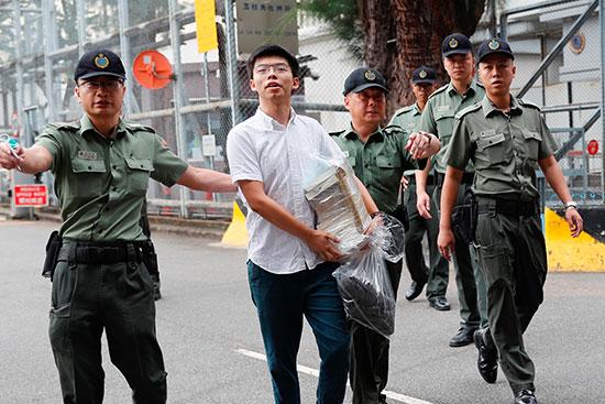 الأمن يفرج عن زعيم المتظاهرين