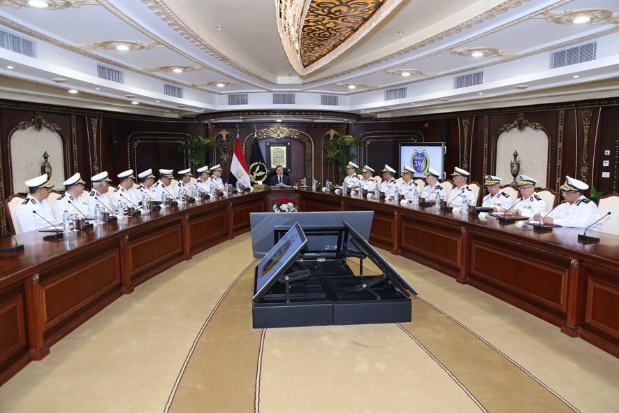 اجتماع وزير الداخلية  (3)