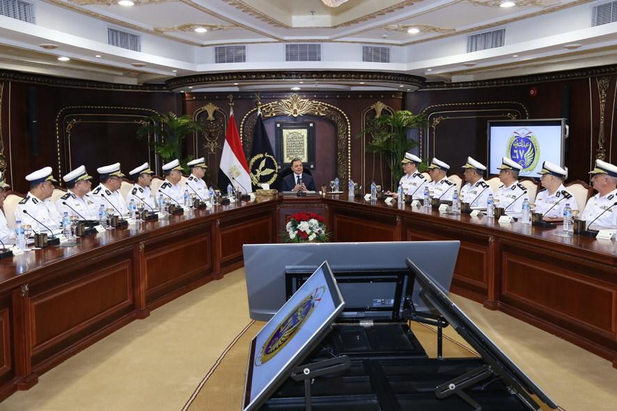 اجتماع وزير الداخلية  (2)