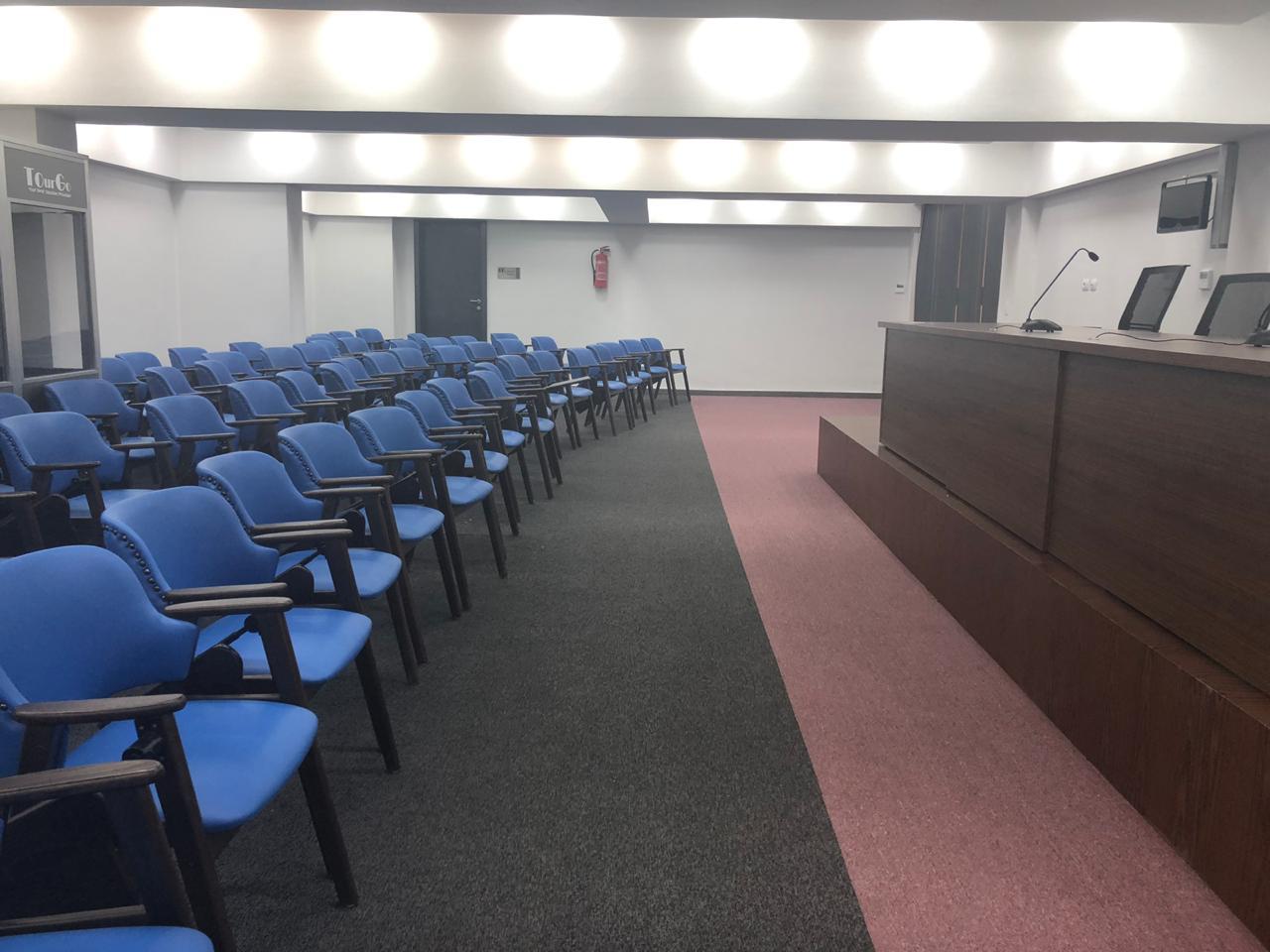 غرفة مؤتمرات الاستاد