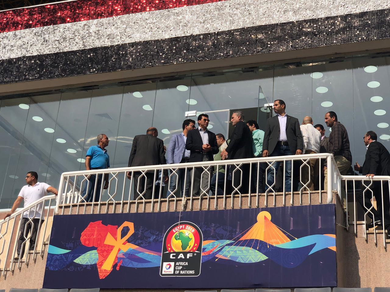 وزير الرياضة يتفقد ستاد الاسماعيلية