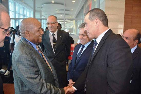 منتخبى بوروندي وناميبيا يصلان مطار القاهرة  (6)