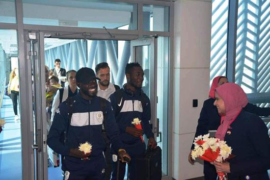 منتخبى بوروندي وناميبيا يصلان مطار القاهرة  (4)