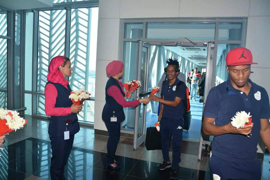 منتخبى بوروندي وناميبيا يصلان مطار القاهرة  (5)