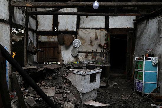 تضرر أحد المنازل