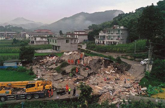 تحطم منزل فى الصين