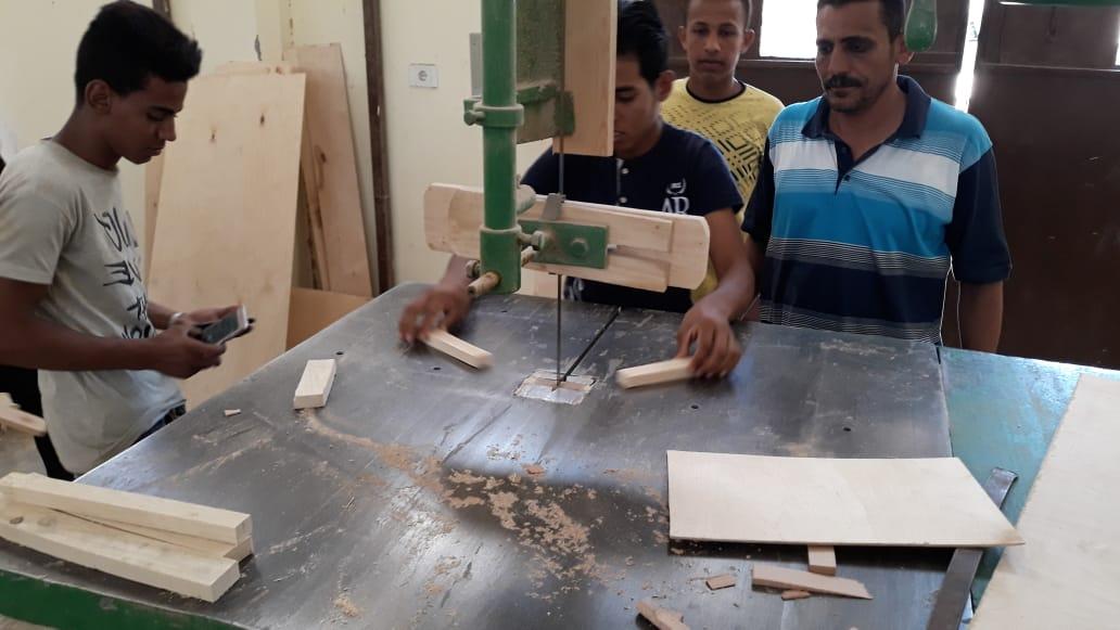 120 ساعة تأهيلية لطلاب التعليم الفنى بالوادى الجديد (1)