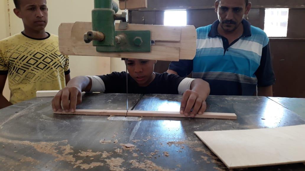 120 ساعة تأهيلية لطلاب التعليم الفنى بالوادى الجديد (2)