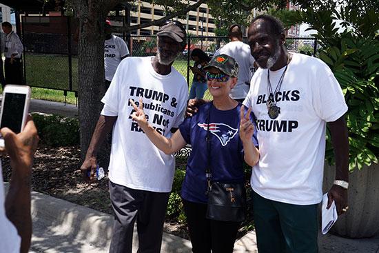 ذوى الأصول الأفريقية يؤيدون ترامب