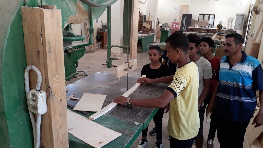 120 ساعة تأهيلية لطلاب التعليم الفنى بالوادى الجديد (5)
