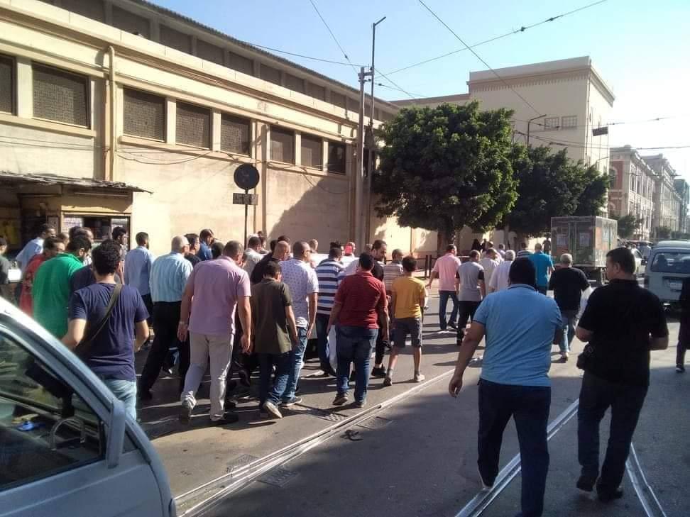 تشييع جثمان والدة الفنانة مروة ناجى بمسجد العمرى بالإسكندرية (3)