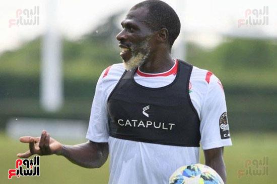 جواش أونيانجو مدافع منتخب كينيا (2)