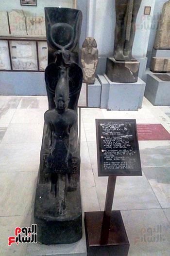 جانب-المسار-المخصص-للمكفوفين-فى-المتحف-المصرى-بالتحرير--(10)
