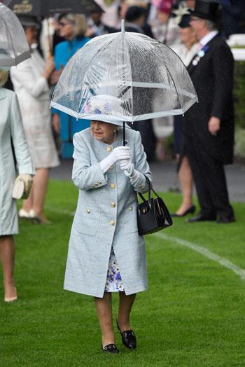 حضور-الملكة-اليزابيث-السباق