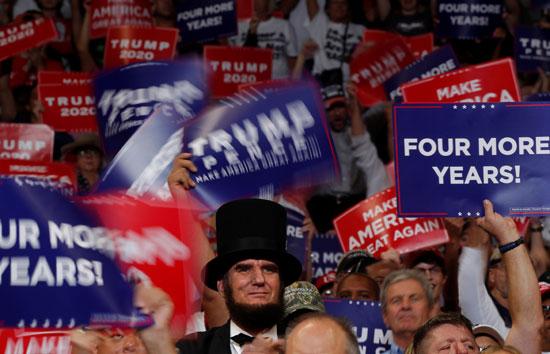 لافتات تأييد ترامب فى الانتخابات  الرئاسية