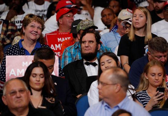 مؤيدو ترامب يشاركون فى المؤتمر الانتخابى