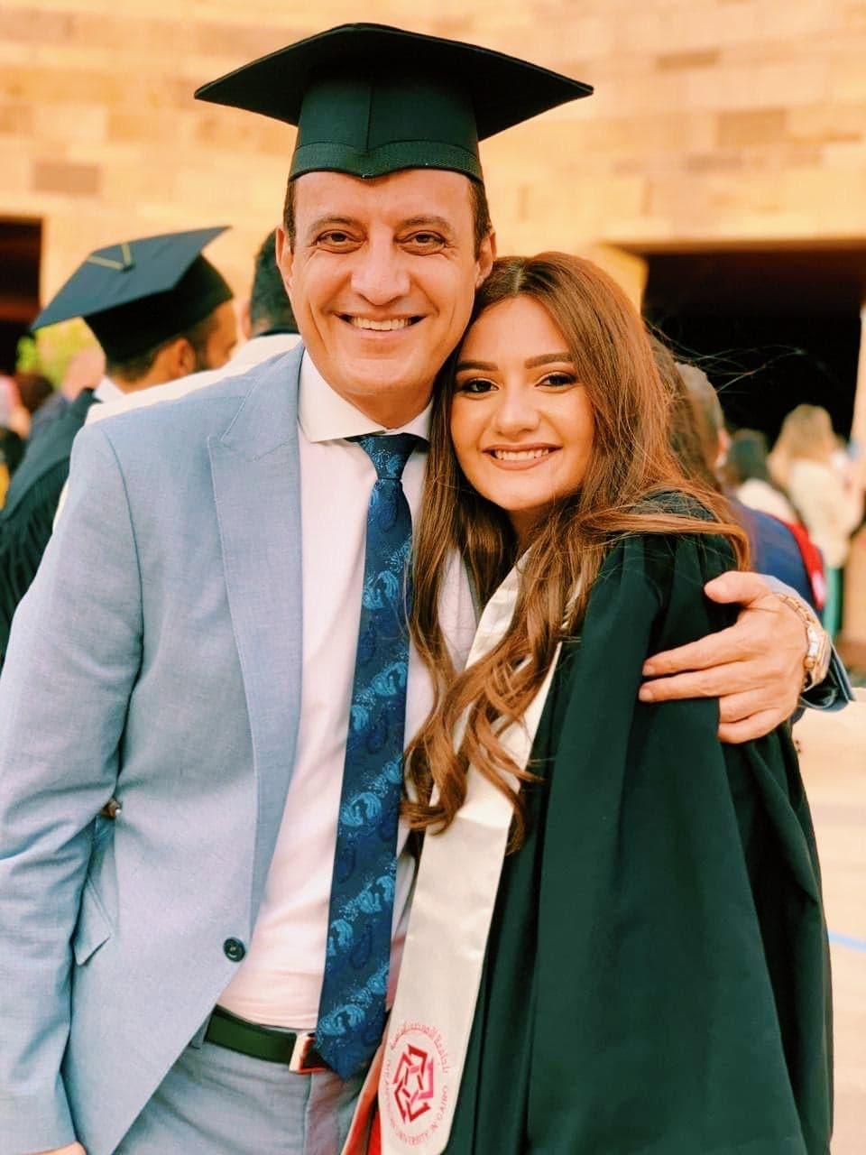 طارق علام يشهد حفل تخرج ابنته عهد (4)