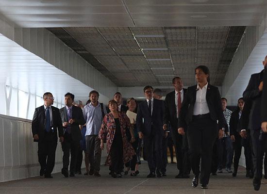 المفوضة الأممية لدى وصولها كاراكاس