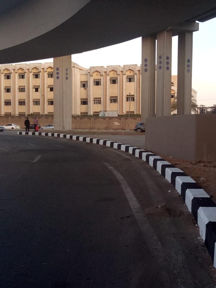 رصف الباركينج الخاص ببوابة استاد القاهرة (4)