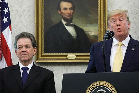 الرئيس الأمريكى يلقى كلمة