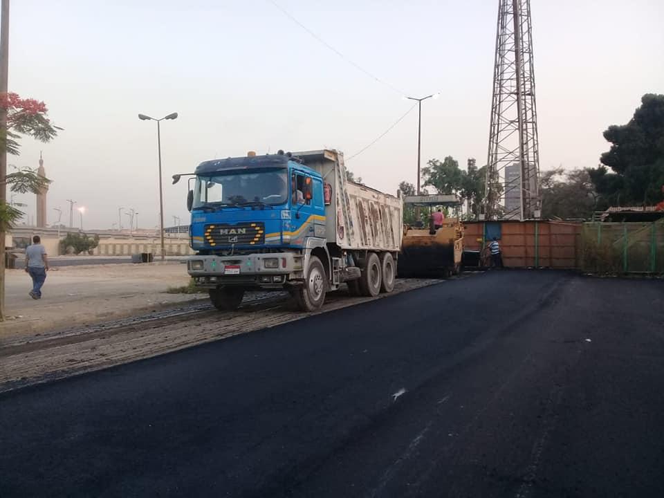 رصف الباركينج الخاص ببوابة استاد القاهرة (3)