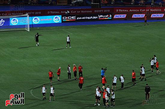 المنتخب الوطنى يتفقد أرضية ستاد القاهرة  (6)